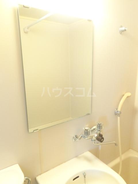 パープルハイツ 202号室の洗面所