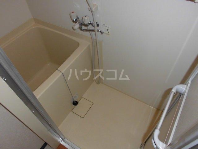 メゾン静二号棟A 303号室の風呂