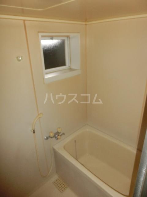 ハイツドゥエル 202号室の風呂
