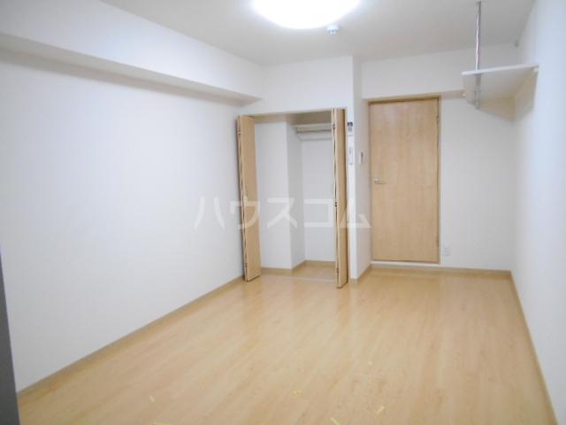 フラッティ壬生坊城 507号室のリビング
