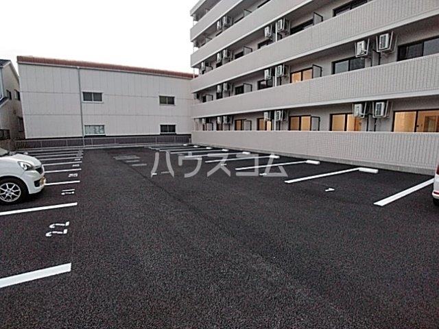A-City清須 303号室の駐車場