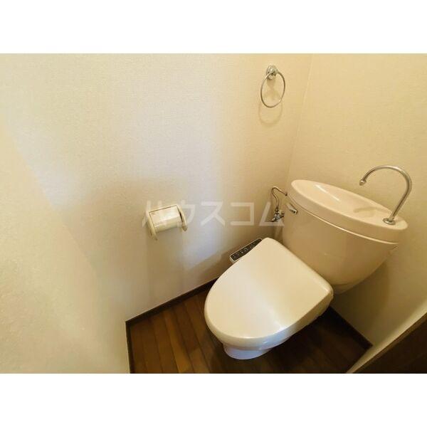 シャトー白菊 201号室のトイレ