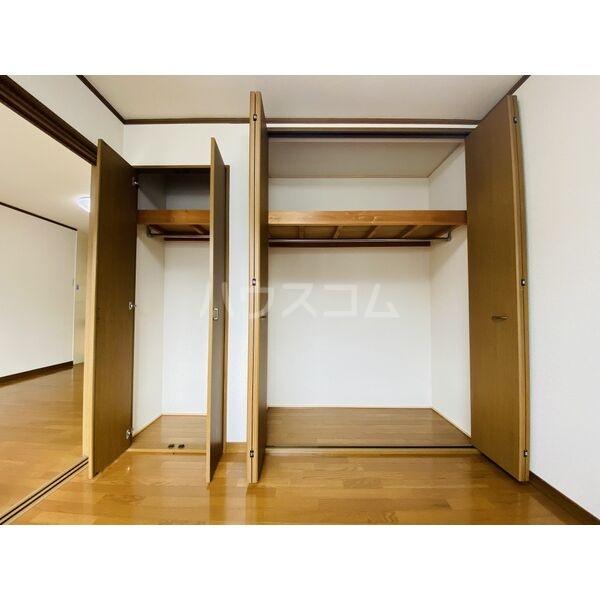 シャトー白菊 201号室の収納