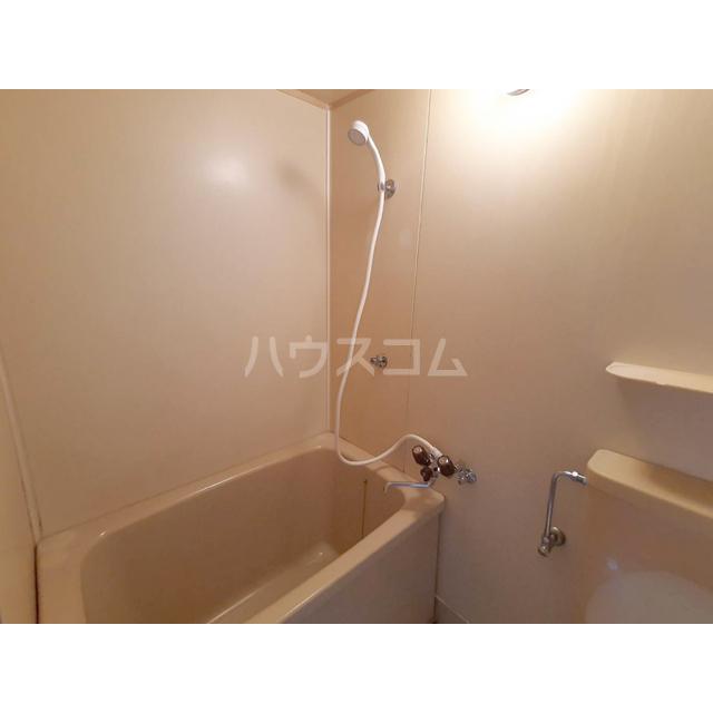 シャトル細田 207号室の風呂