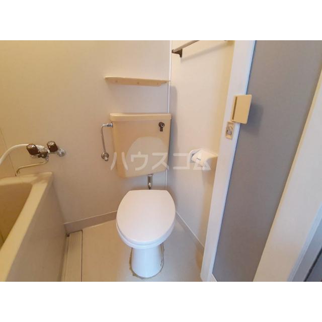 シャトル細田 207号室のトイレ