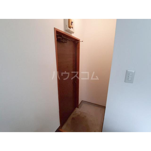シャトル細田 207号室の玄関