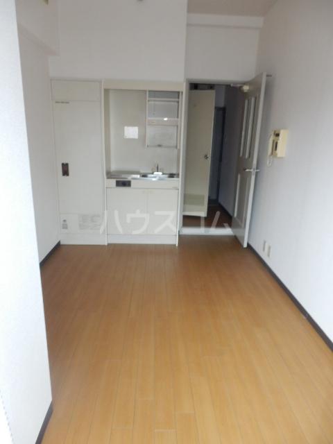 サンリバーイナダ 203号室の居室