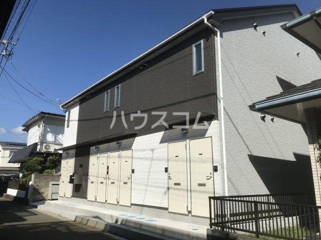 グラスプラス渋沢 201号室の外観