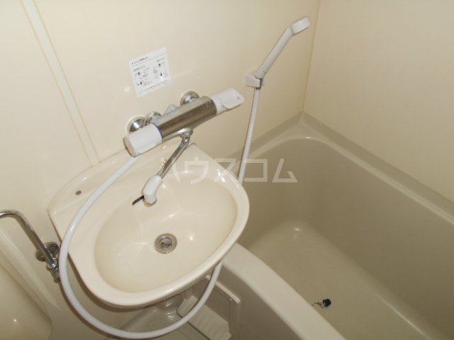コーポ飛馬 302号室の洗面所