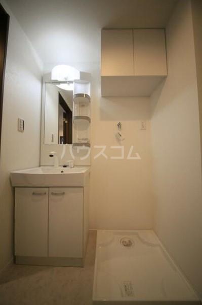 ラ・リューシュ大口 103号室の洗面所