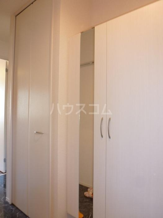 グラン 105号室の玄関