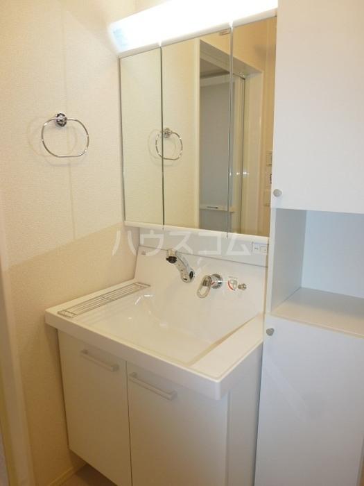グラン 105号室の洗面所