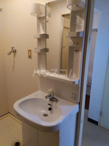バロール代々木 401号室の洗面所
