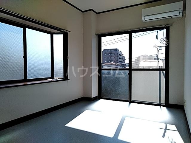 ベアーフルートハウス 301号室の居室