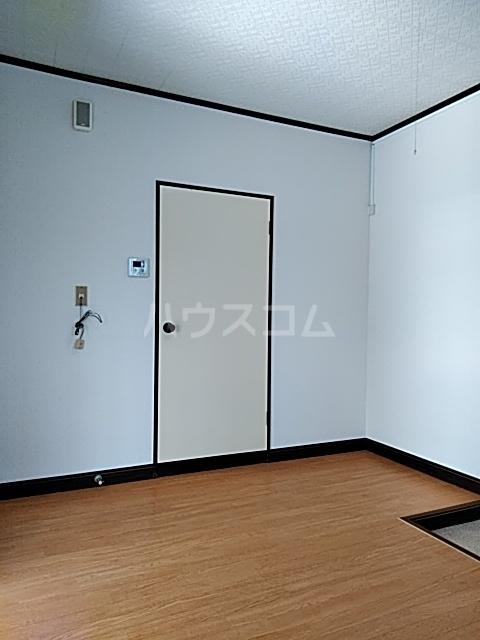 ベアーフルートハウス 301号室のリビング