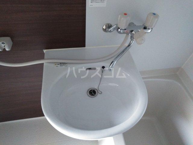 プライムテラス東海大学前Ⅰ 202号室の洗面所