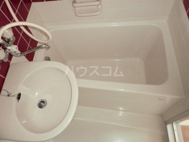 プレスイン山王 4D号室の風呂