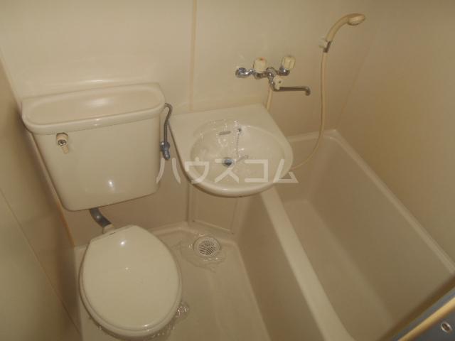 ドール神宮南 217号室の風呂