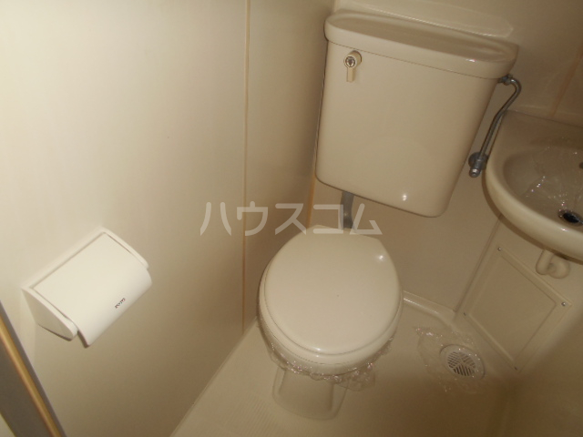 ドール神宮南 217号室のトイレ