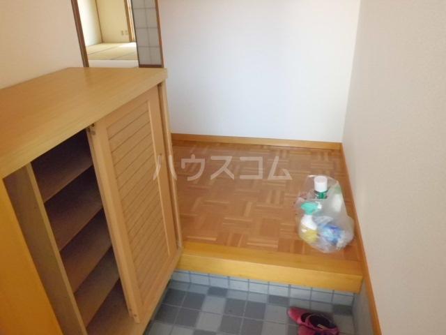 アーク浅井 102号室のロビー