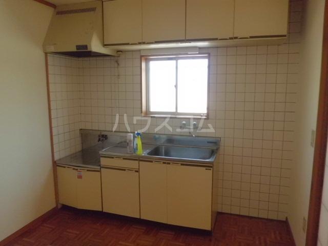 アーク浅井 102号室のキッチン
