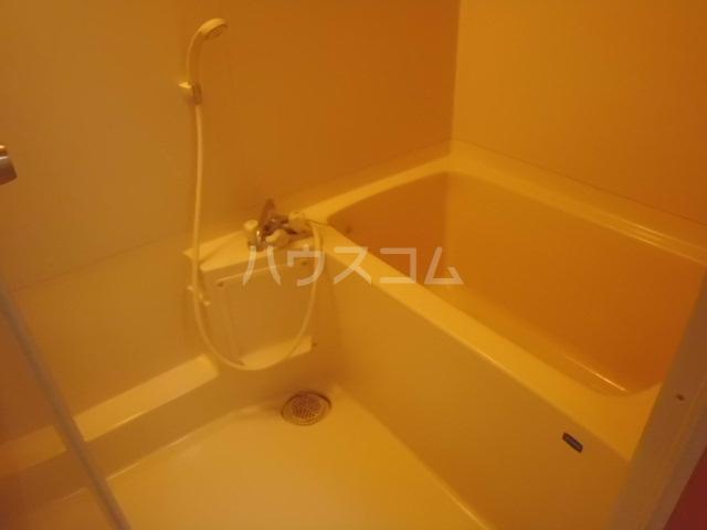 アーク浅井 102号室の風呂