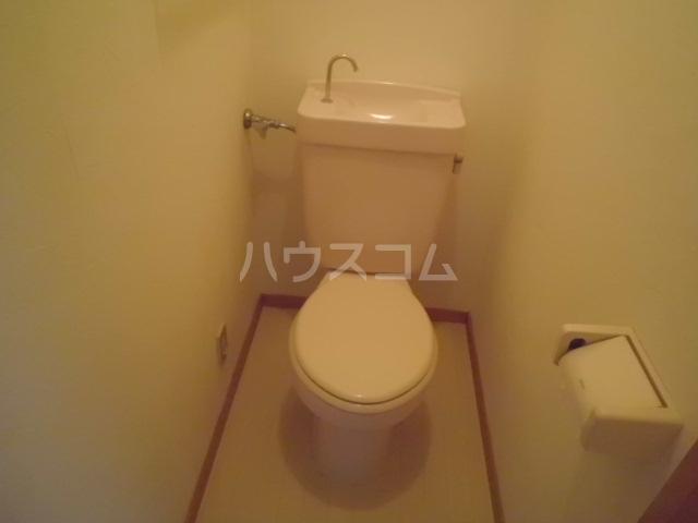アーク浅井 102号室のトイレ