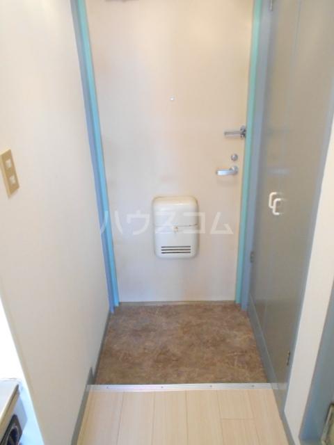KFコーポ 502号室の玄関