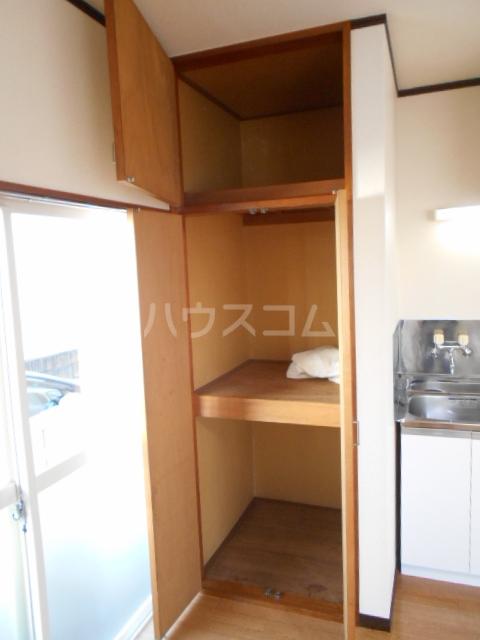フラワーベールKASAI 101号室の収納