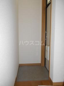 コーポ愛B 203号室の玄関