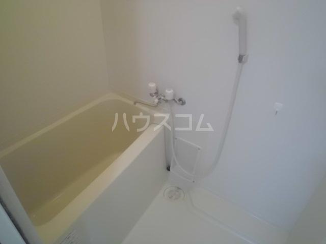 クレセント松蔭 103号室の風呂