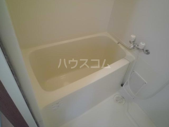クレセント松蔭 403号室の風呂