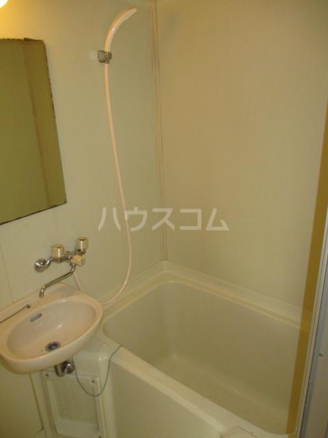 ホワイトヴィラ 202号室の風呂
