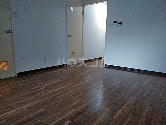 第2みなせハイツ 303号室のリビング