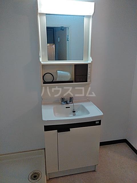 第2みなせハイツ 303号室の洗面所