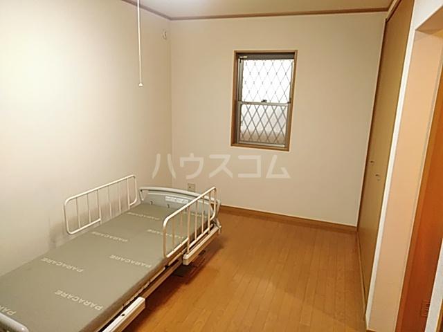 ヘルシーハイツⅡ 102号室の居室