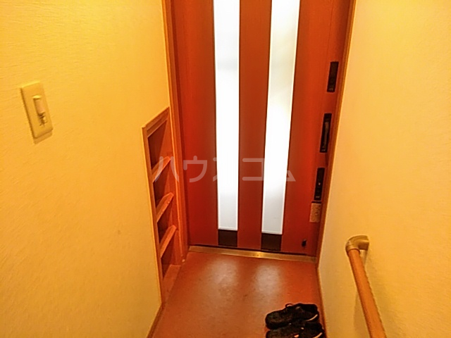 ヘルシーハイツⅡ 102号室の玄関