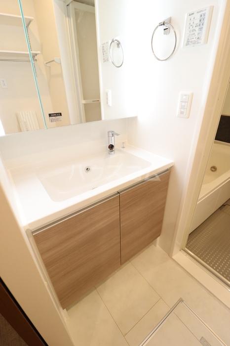 フォルトゥーナ 305号室の洗面所