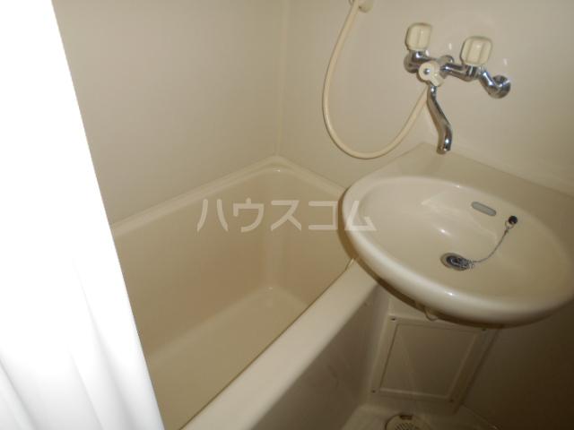タートルストーンビル 107号室の風呂