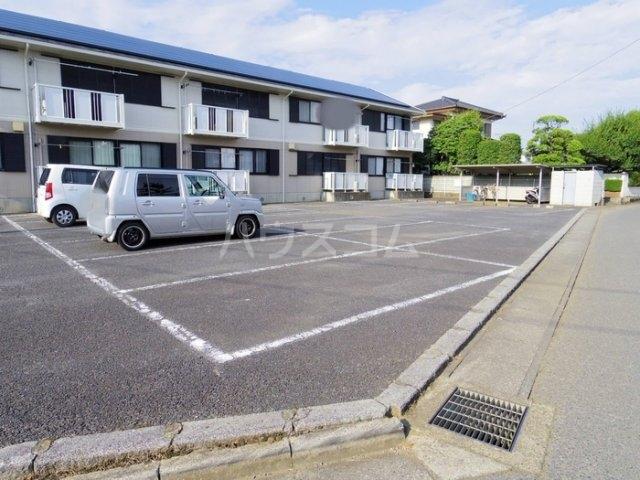 スカイハイツC 103号室の駐車場