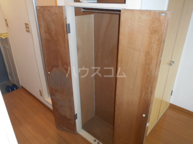 ガーデンヒルズ横浜 107号室の収納