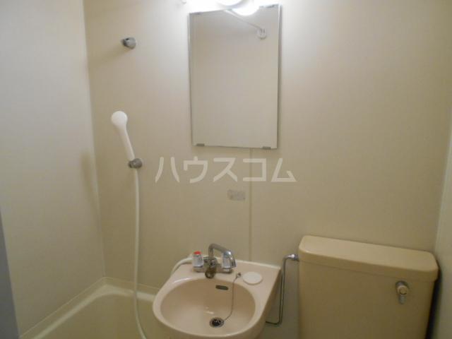 ガーデンヒルズ横浜 107号室の洗面所