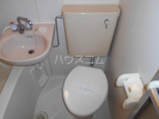ガーデンヒルズ横浜 107号室のトイレ