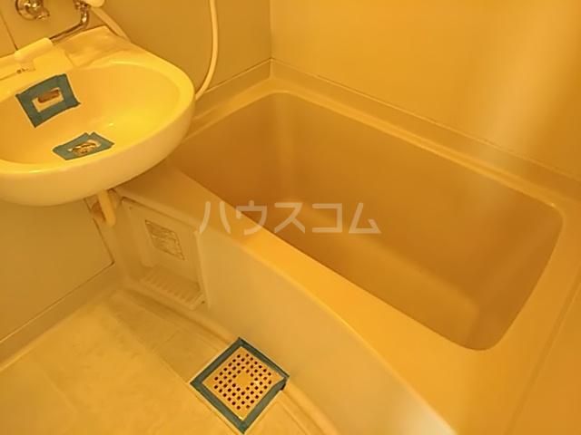 プレアール南春日丘 202号室の風呂