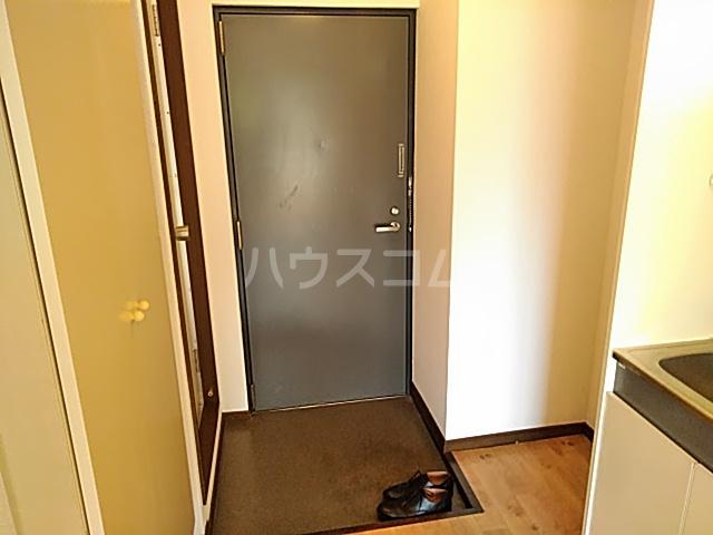 プレアール南春日丘 202号室の玄関