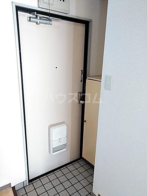 コナビック西塚 Ⅱ 1C号室の玄関