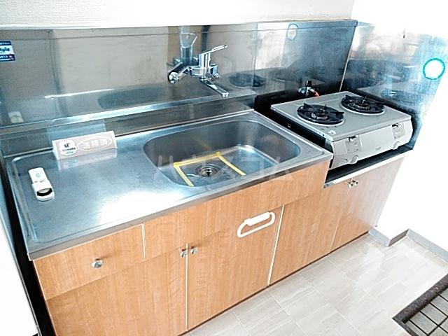 コナビック西塚 Ⅱ 1C号室のキッチン