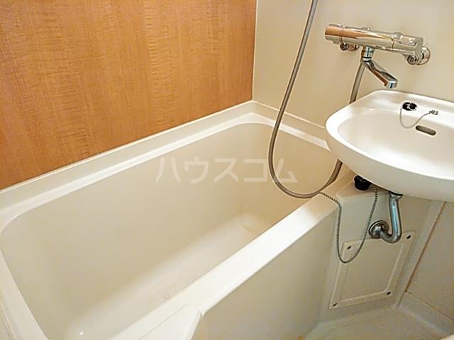コナビック西塚 Ⅱ 1C号室の風呂