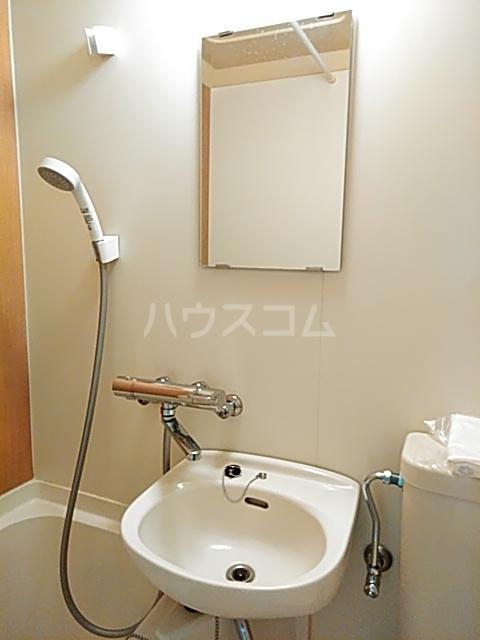 コナビック西塚 Ⅱ 1C号室の洗面所
