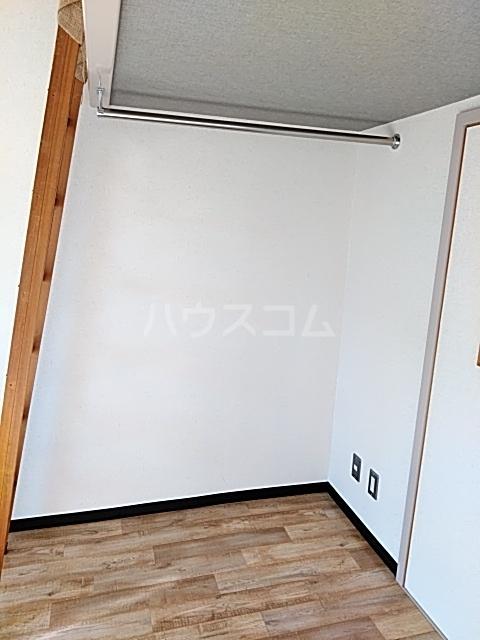 コナビック西塚 Ⅱ 2F号室の収納